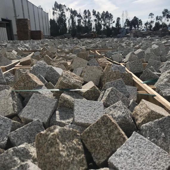 Granitos Irmãos Peixoto - Products - cubes