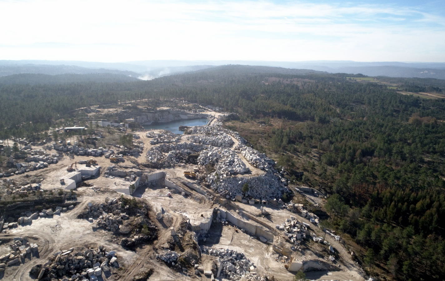 Granitos Irmãos Peixoto - Quarry of Lapa - Granite extraction